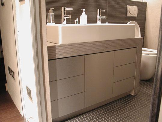 Mobili in legno per il bagno l 39 arte del legno - Mobili del bagno ...