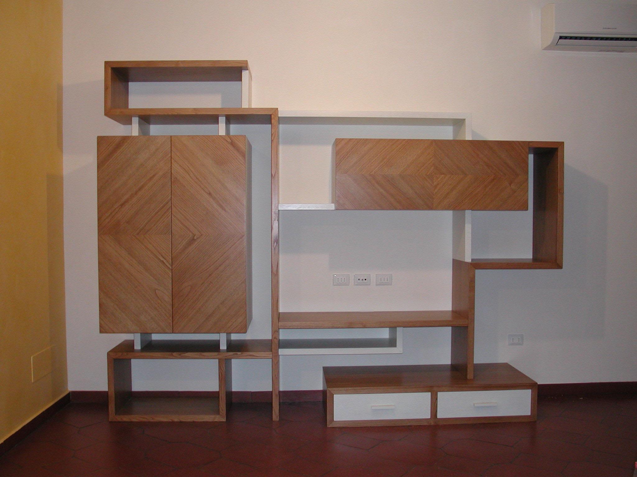 Librerie e scaffali in legno l 39 arte del legno for Scaffali legno arredamento