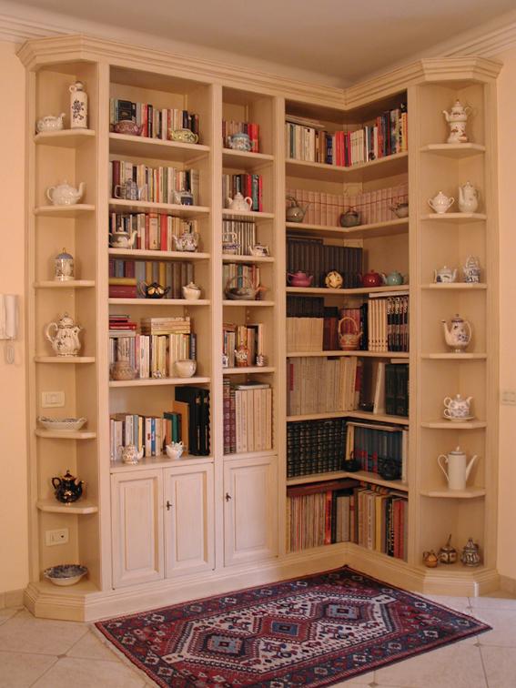 Librerie e scaffali in legno l 39 arte del legno for Scaffali libreria in legno